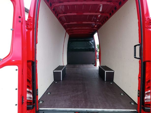 Iveco L4 Profesjonalne zabudowy samochodów dostawczych