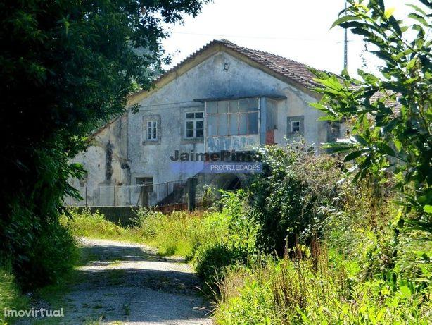Casa de Campo em ruínas e 13 500 m2 terreno. Portugal, Sta. Maria d...