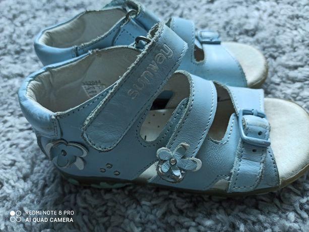 Sandałki skórzane