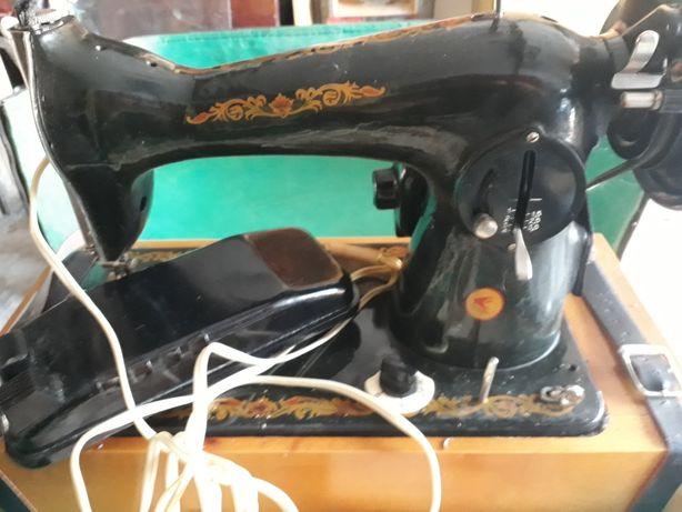 Швейная машина чайка 2м с электроприводом