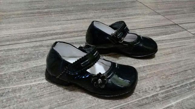 Лаковые туфли 21р.