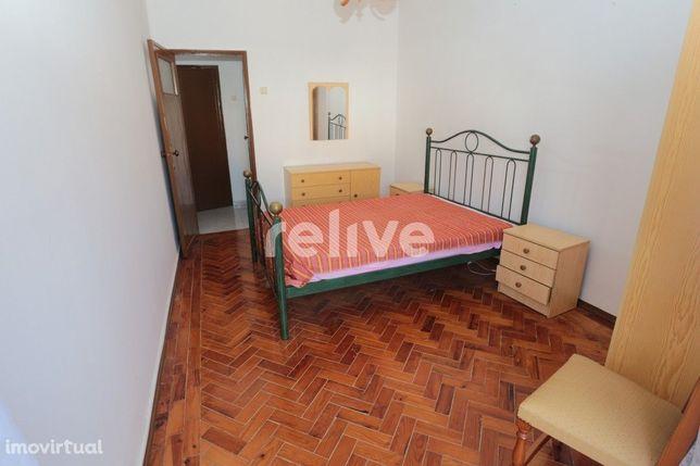 Apartamento T2, de 62 m2, em Tomar e com vista para o Castelo