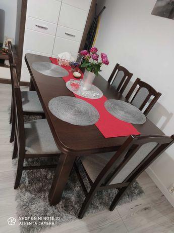 Sprzedam rozkładany  stół z 6 krzesłami
