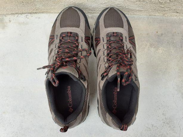 Columbia Redmond - calçado impermeável de caminhada