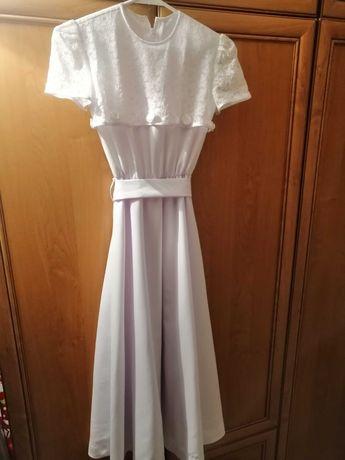 Albo-sukienka z peleryna