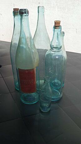 Stare butelki od wódki