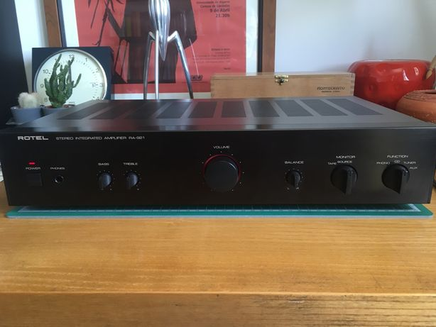 Amplificador Rotel RA921