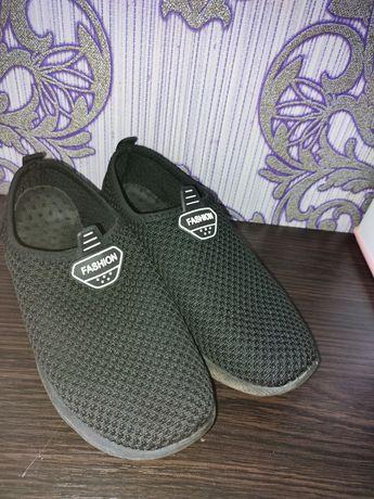 Кросівки для хлопця. Кроссовки. Макасини