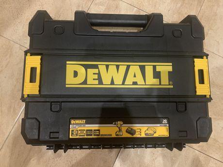 Продам чемодан, кейс De Walt