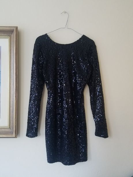 Mała czarna cekinowa sukienka cekiny wiązana gorsety z długim rękawem