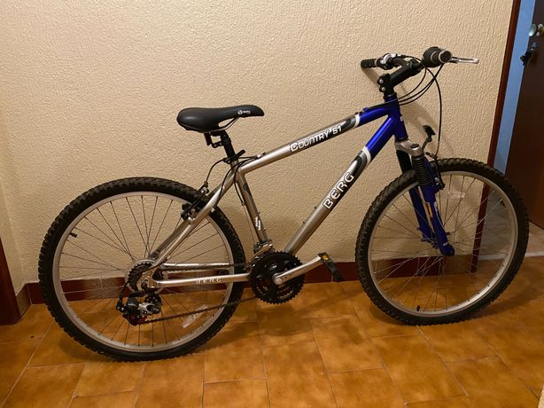 Bicicleta Berg Outdoor Country S1 cinza e azul / bicycle / bike