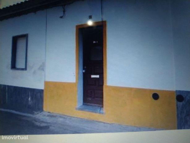 Moradia T2 em Moura , valor do imóvel 45.000,00 €