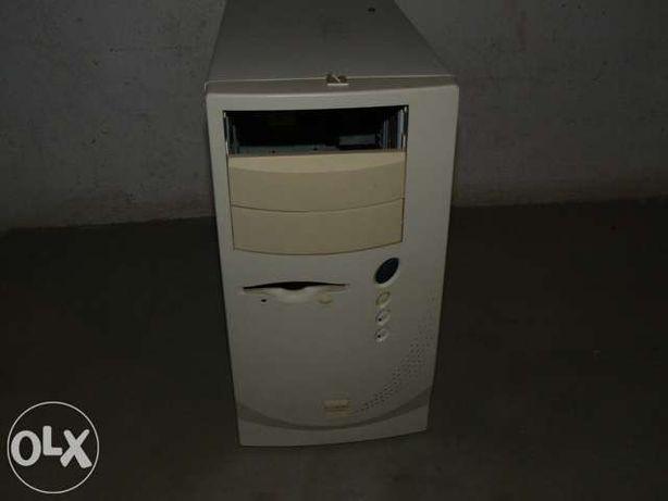 Computador Midle tower Pentium