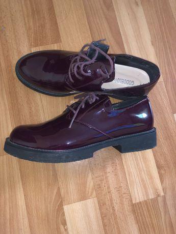 Туфли лаковые 40р