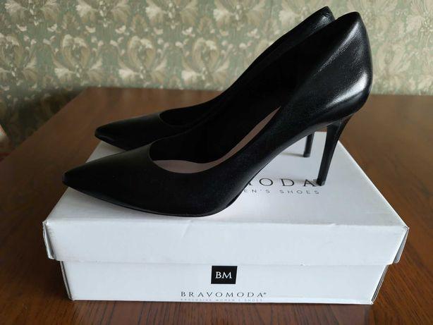 Туфли лодочки женские кожаные Bravo Moda, НОВЫЕ, разм. 40, чёрные