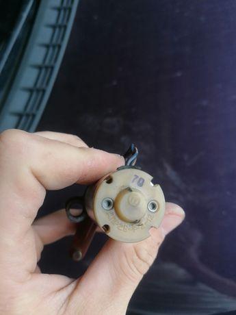 Моторчик заслонки печки Ваз 2110