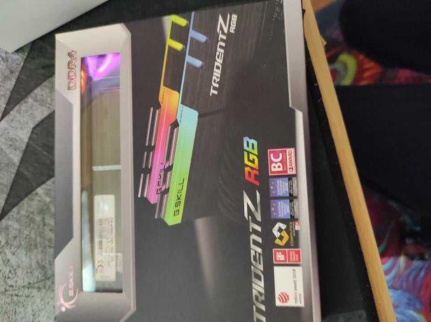 Memória RAM G.SKILL Trident Z RGB 16GB (2x8GB) DDR4-4266MHz CL19 Preta