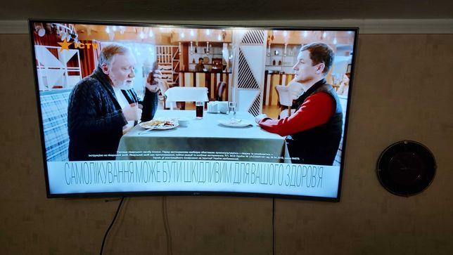Телевизор  55 изогнутый
