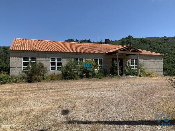 Moradia - 583 m² - T0