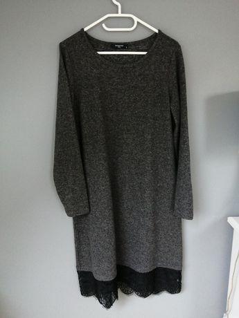 Dzianinowa sukienka Reserved, rozmiar L.