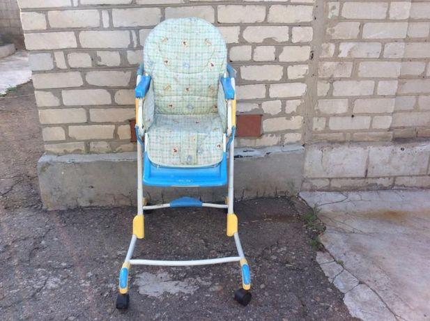 Стульчик детский (без столика) для кормления 400 рублей