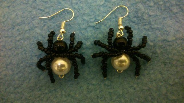 Kolczyki pająki ręcznie robione.
