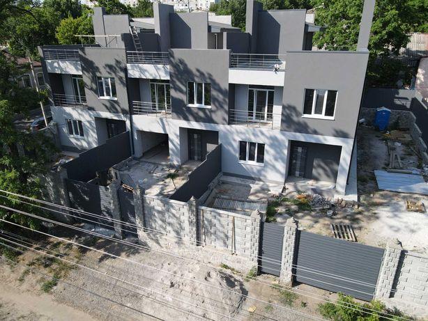 Продаж таунхаусів з терасами у Кропивницькому від власника