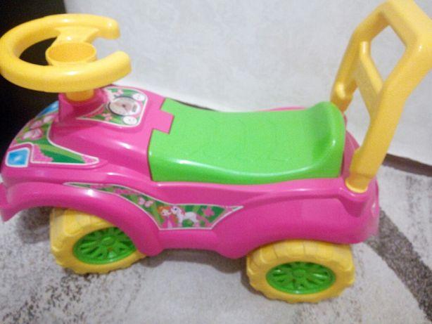 Продам детскую машинку (толакар)