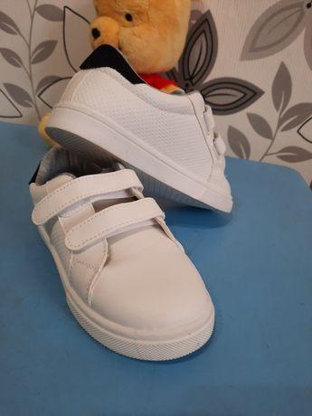 Кроссовки кросівки adidas