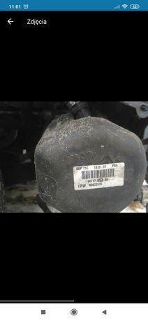 Pompa wspomagania Citroen C5 X7 2009rok