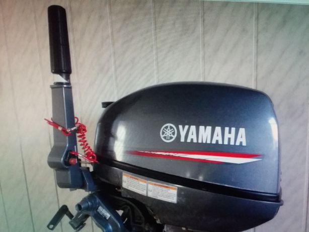 Продам лодочный моторYamaha-15.