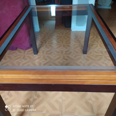 Vendo mesa de sala extensível mas necessita de um vidro da parte exten
