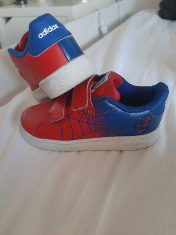Ténis Adidas Marvel