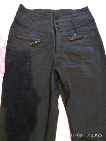 Чёрные модные брюки,с высокой талией