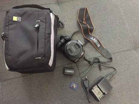 Lustrzanka Sony alfa alpha 37 + Futerał + ładowarka bateria i karta SD