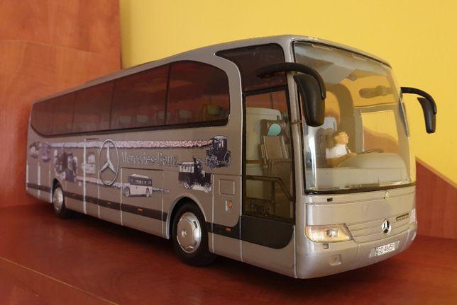 Autobus Mercedes Travego - Dickie - 1:24 - RARYTAS
