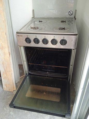 Vende-se fogões com forno