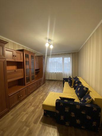 Сдается 2 комнатная квартира на Победы с ремонтом.