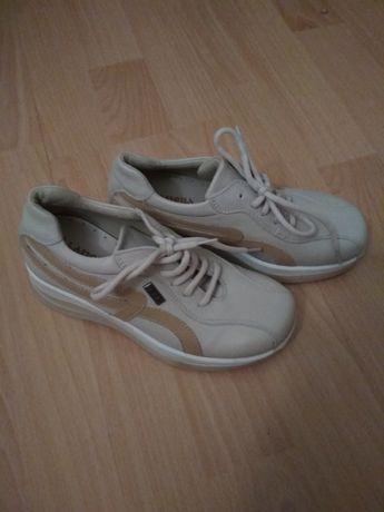 Туфлі,кросовки