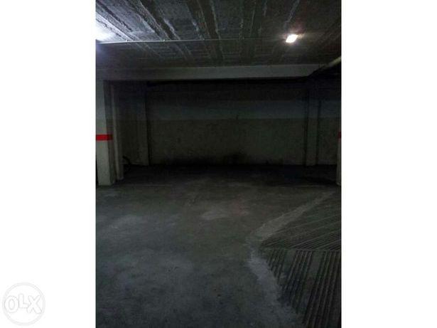 Garagem 5.5metros x 3.5metros. Centro de Santa Maria de Lamas