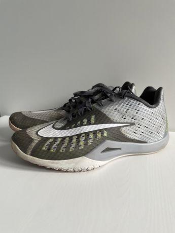Nike HYPER live r.42