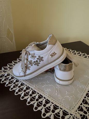 Кросівки білі Xti 19.5 см