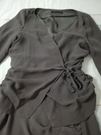 Conjunto de saia e blusa