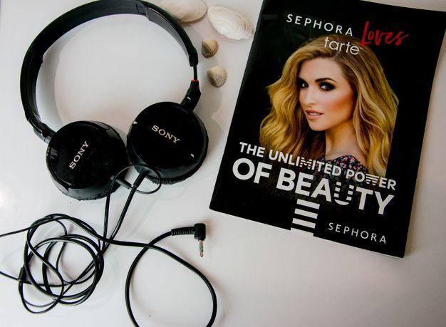 czarne słuchawki SONY