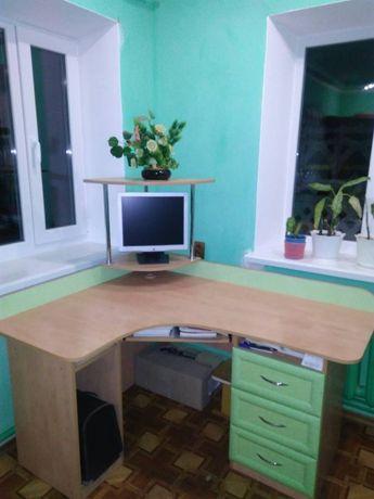 Стол компьютерный офисный ученический