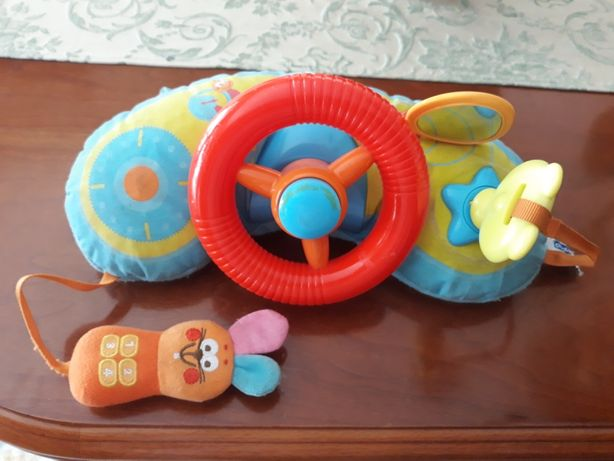 Brinquedo volante da Chicco para bebé.
