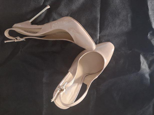Sapatos bege, 36