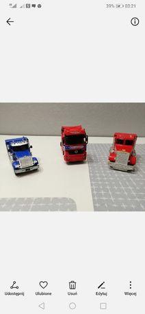 Kolekcja trzech modeli ciągników siodłowych