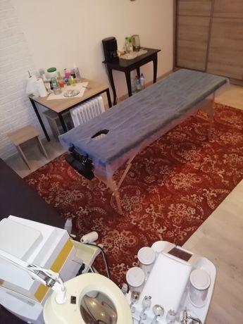 Місце для масажиста, косметолога