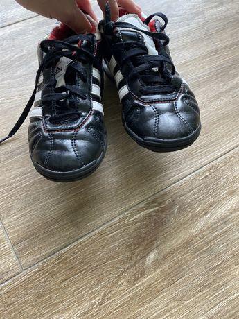 Футбольные кроссовки оригинал кожа Adidas Fila размер 31 стелька 19